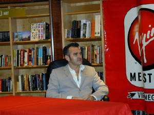 morrissey-in-store-signing-2.jpg