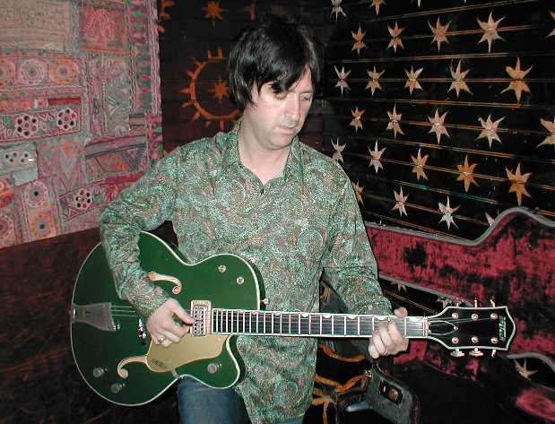 johnnymarr-plays.jpg